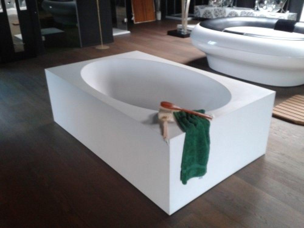 Vasca Da Bagno Teuco Paper Prezzi : Teuco feel commerciale veneta beltrame