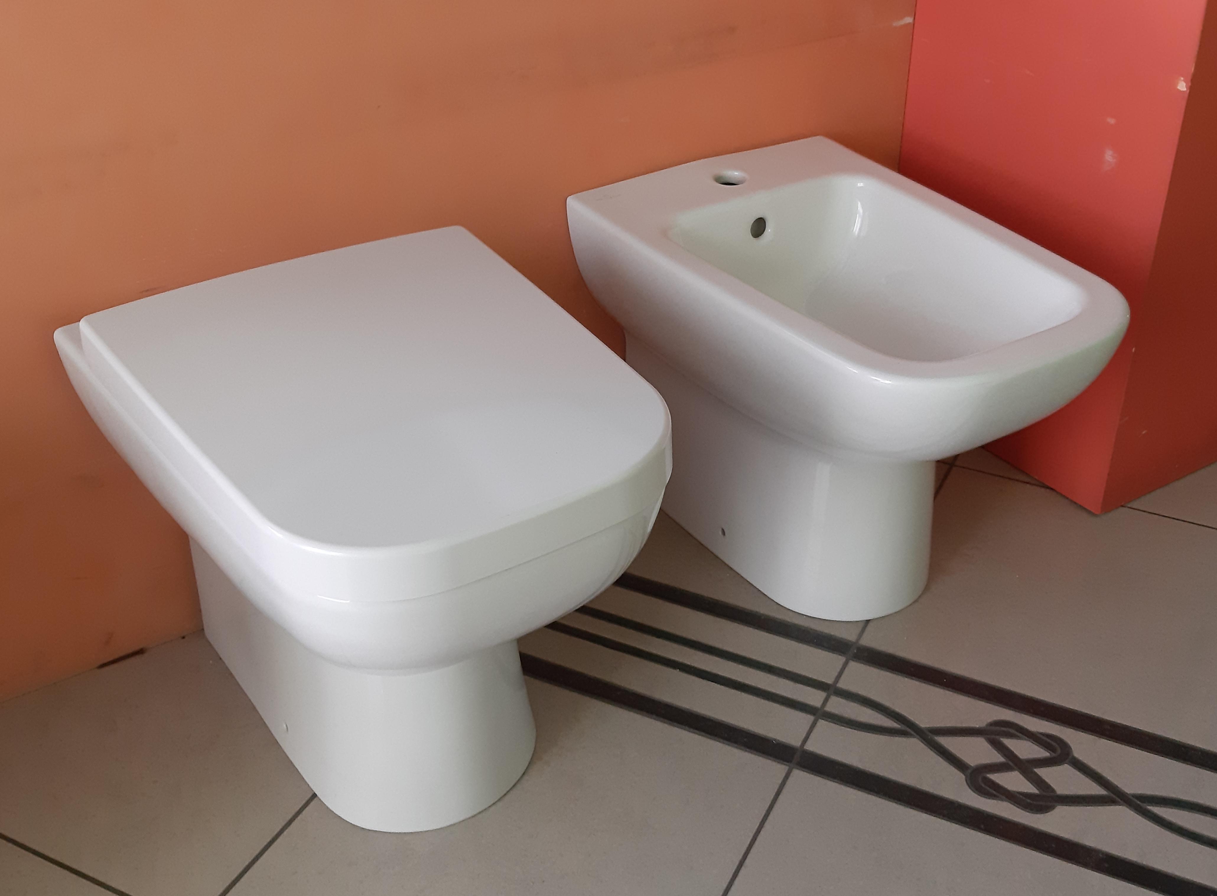 Vasche Da Bagno Villeroy E Boch Prezzi : Villeroy & boch joyce vaso e bidet a pavimento commerciale veneta