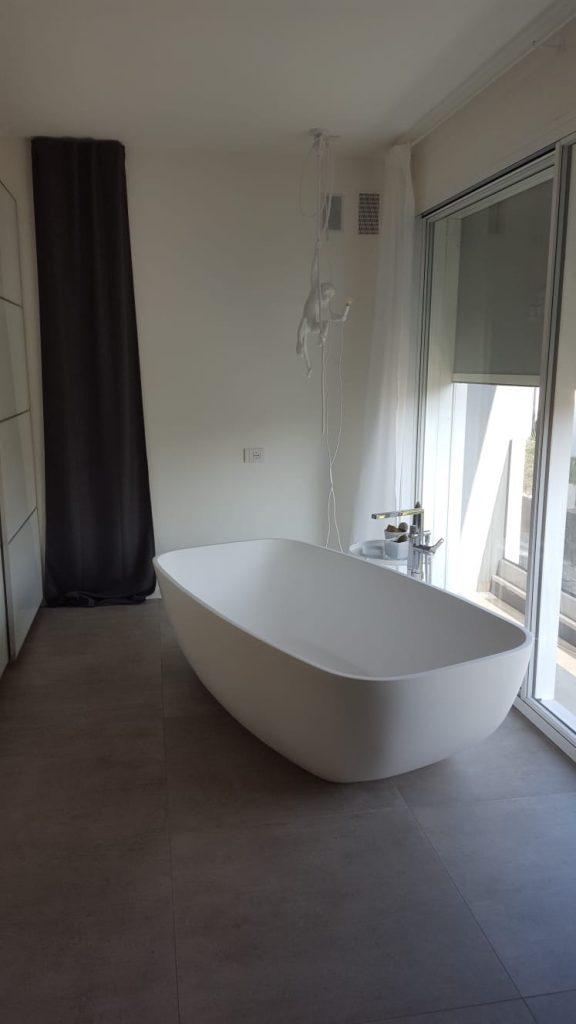 La Vasca Da Bagno In Camera Da Letto Commerciale Veneta Beltrame S P A